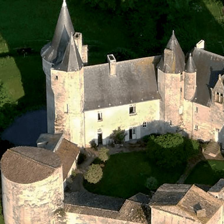 Château de Cherveux : escapade sur les traces du passé